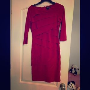 Red Slimming dress White House Black Market